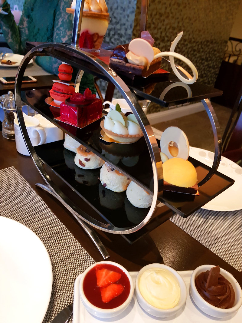 Review: Chocolate Afternoon Tea – Hilton, Park Lane