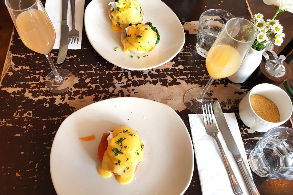 Review: Bottomless Brunch at The Garrison
